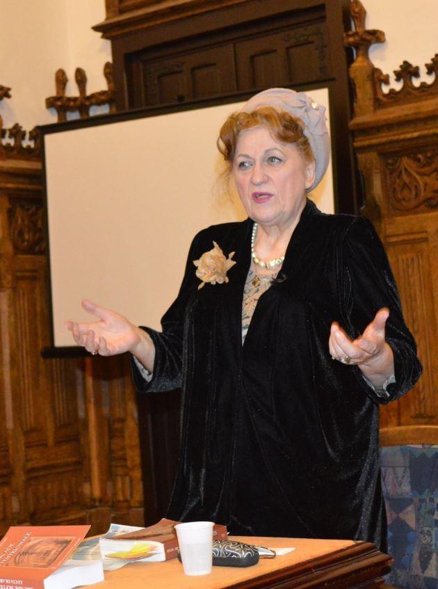 Lucia Olaru Nenati –                 o doamnă de poveste!