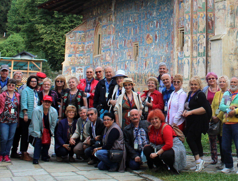 """Tabăra de creație și re-creație """"Împreună în Bucovina"""" – Sărbătoare a prieteniei"""